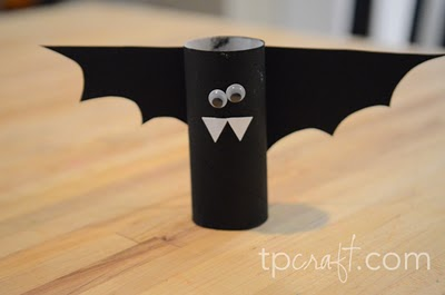 Lembrancinha para o Dia das Bruxas – Morcego com Rolo de Papel Higiênico.