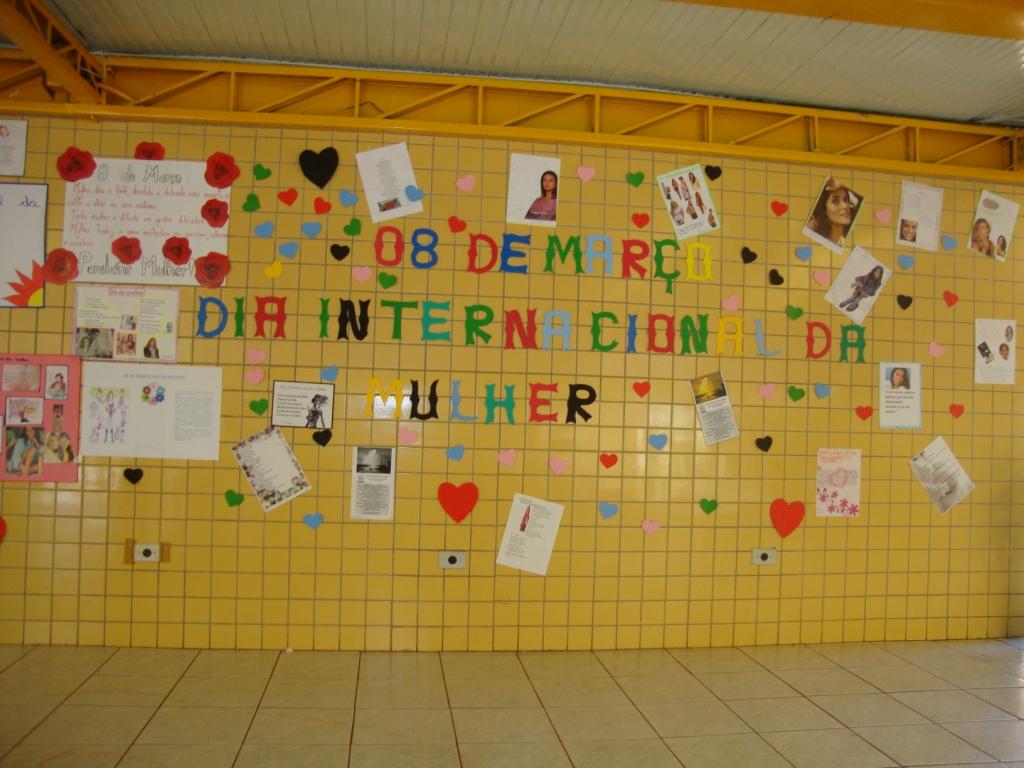 Cartaz dia da mulher com mensagens
