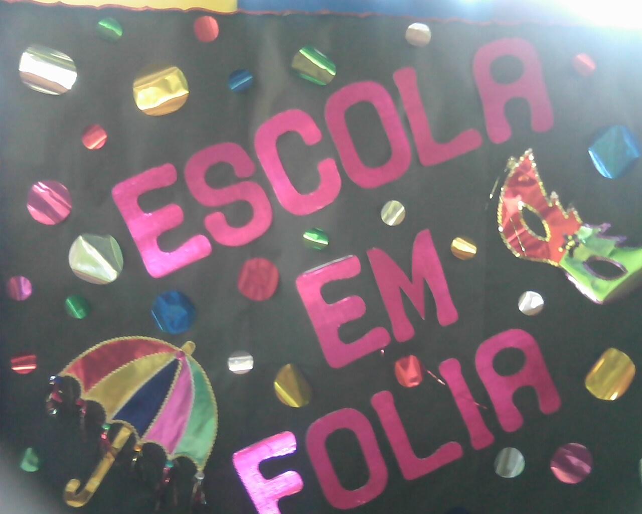Mural de carnaval na escola para Educação Infantil