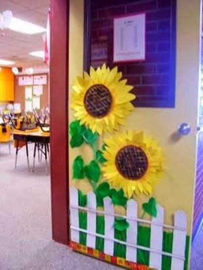Porta decorada Meio Ambiente em EVA para escola